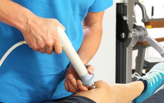 Dlaczego tak często przy leczeniu bólu chronicznego stosuje się fale uderzeniową?